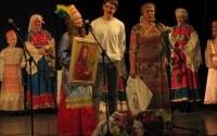 vruchenie-portretov-na-kontserte-ansamblya-rostok-2012-g_0